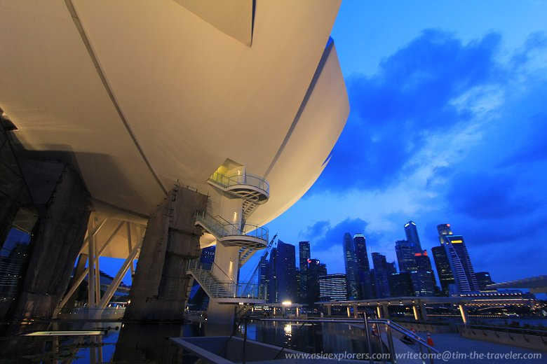 ArtScience Museum and the Singapore skyline